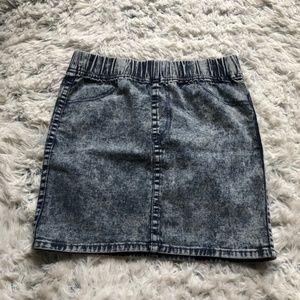 [a1-19] H&M | acid wash denim mini skirt